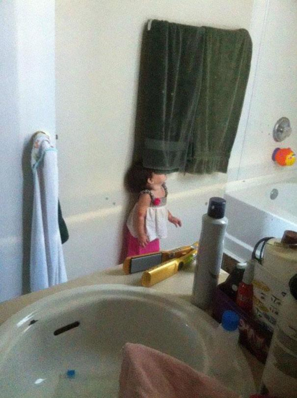 hide-and-seek-funny-kids-24