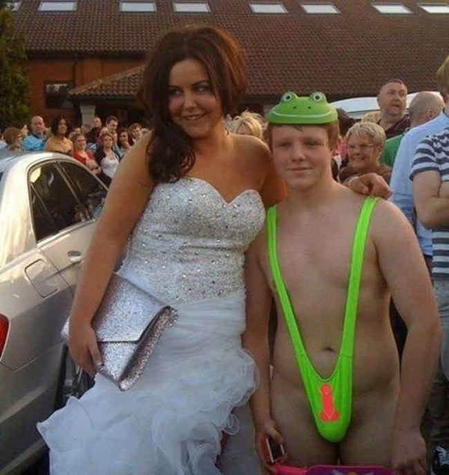 Proms-Funny-Embarrassing-Dress-01