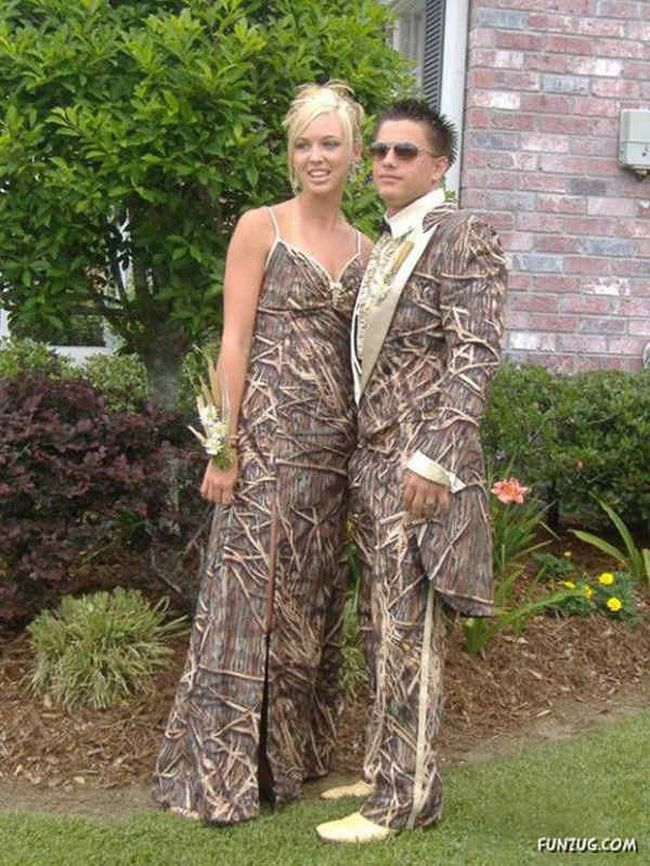 Proms-Funny-Embarrassing-Dress-25