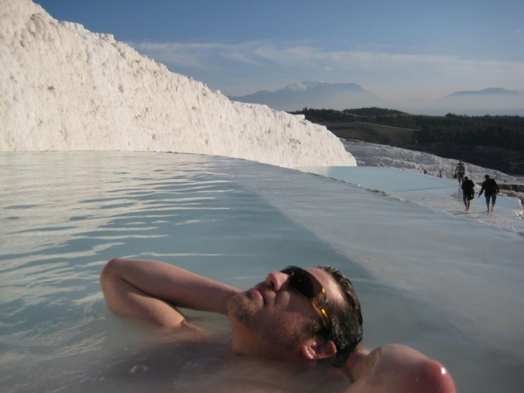 Amazing-Swimming-Pool-Spots-In-The-World-10
