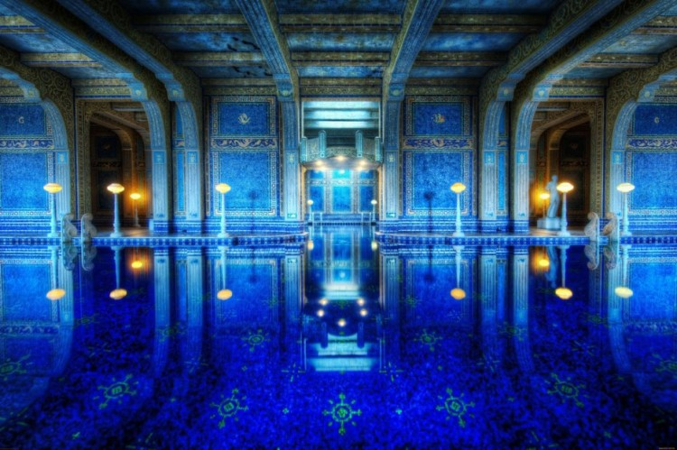 Amazing-Swimming-Pool-Spots-In-The-World-14