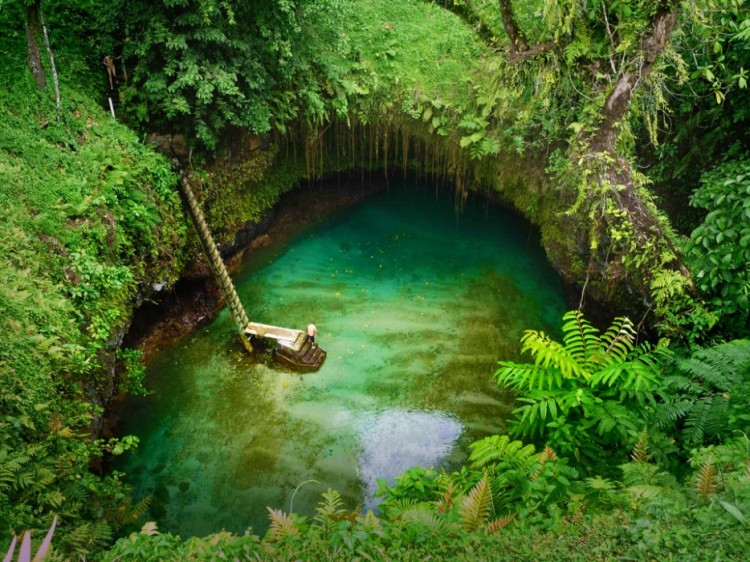 Amazing-Swimming-Pool-Spots-In-The-World-28