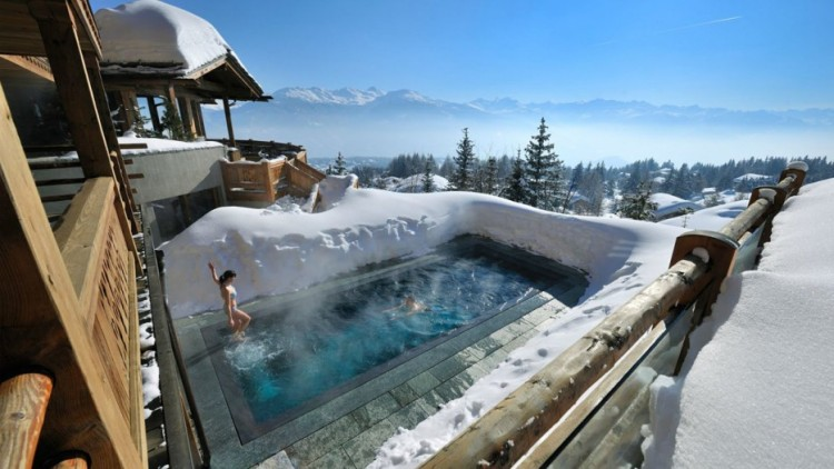 Amazing-Swimming-Pool-Spots-In-The-World-29