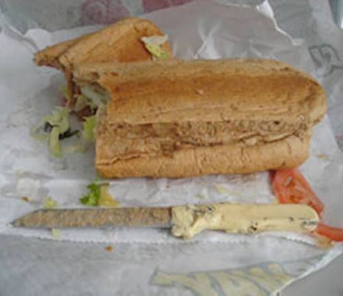 Disgusting-Objects-in-Fast-Food-04