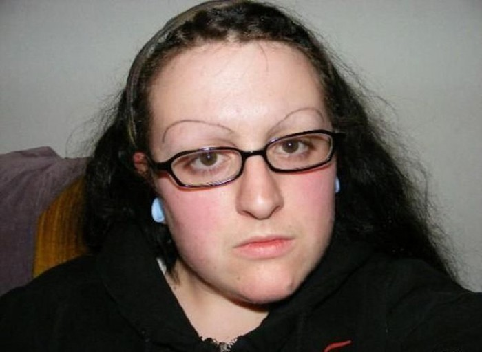 Funny-Eyebrow-Fails-17