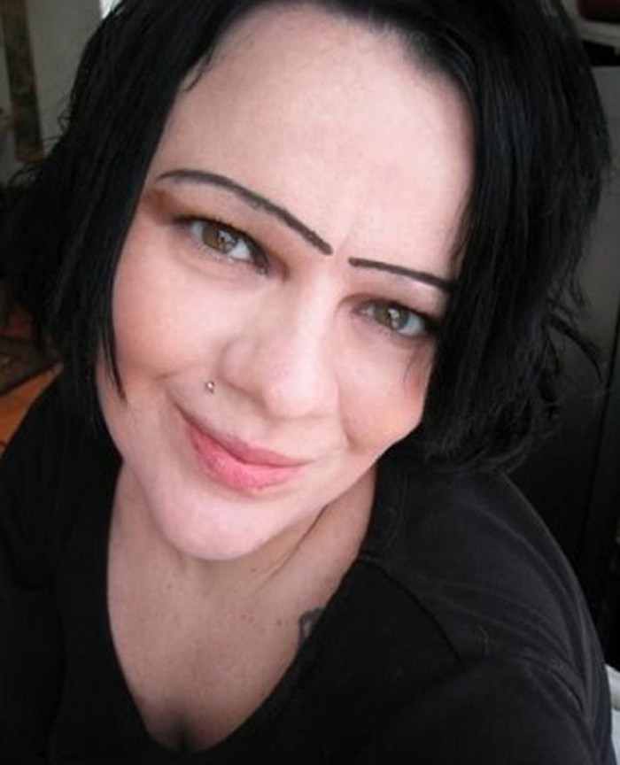 Funny-Eyebrow-Fails-18