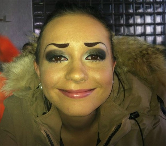 Funny-Eyebrow-Fails-20