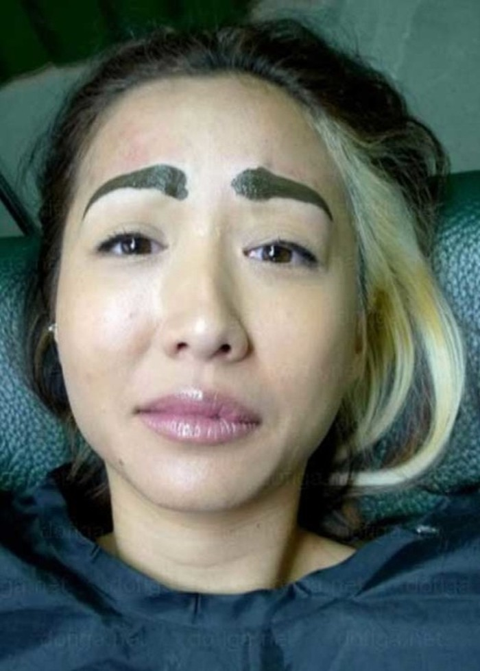 Funny-Eyebrow-Fails-28