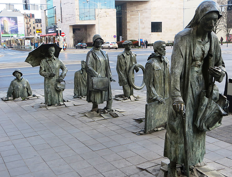 Most-Beautiful-Statues-In-The-World-03