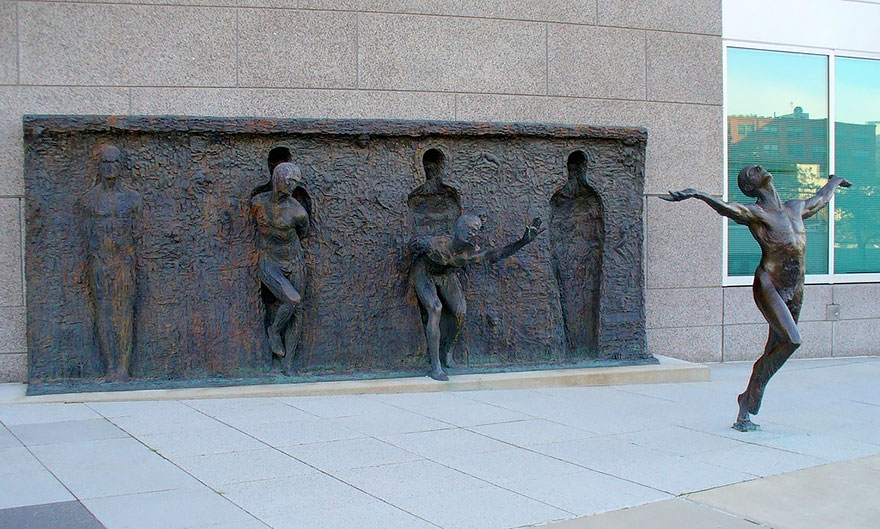 Most-Beautiful-Statues-In-The-World-08