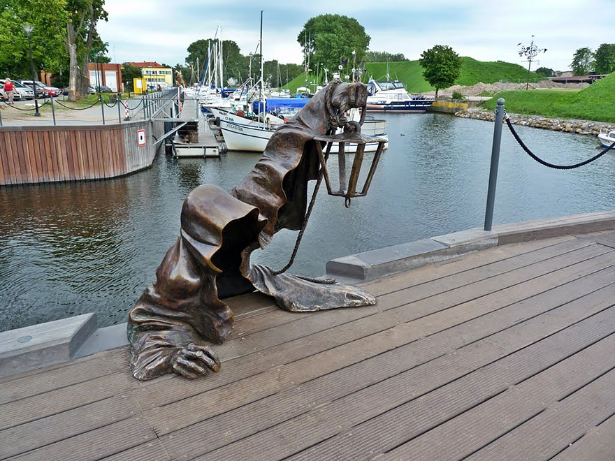 Most-Beautiful-Statues-In-The-World-09-1