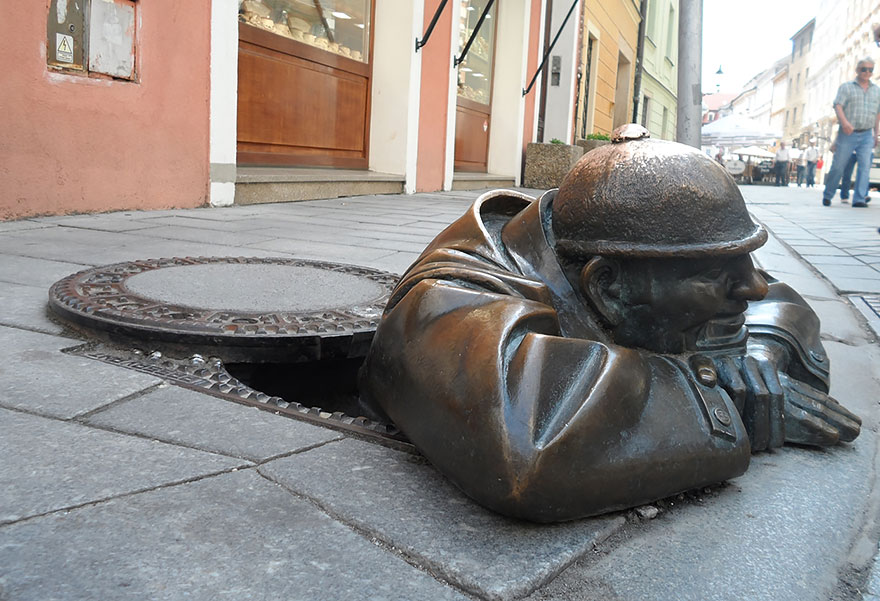 Most-Beautiful-Statues-In-The-World-18