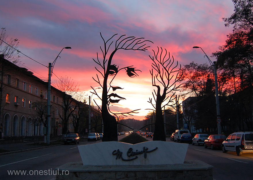 Most-Beautiful-Statues-In-The-World-19