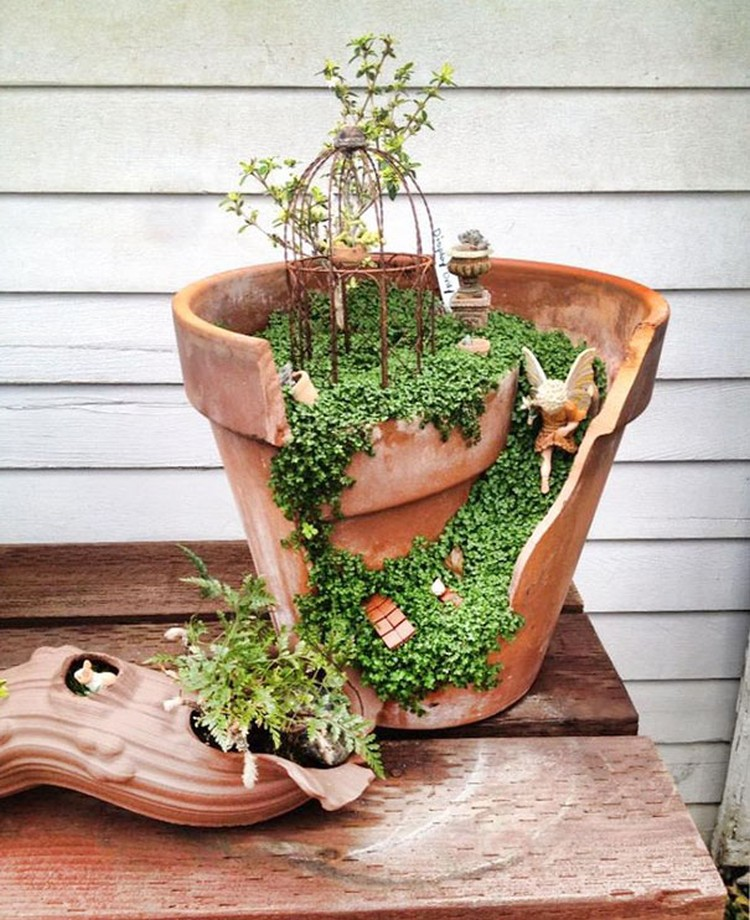 Turn-Broken-Pots-Into-Beautiful-Garden-DIY-05