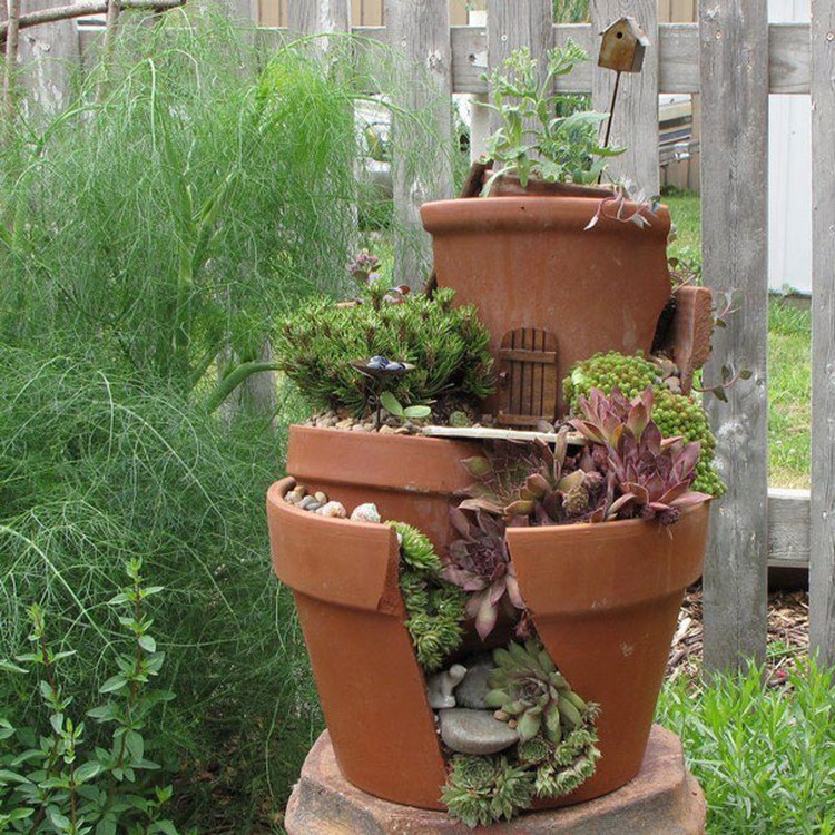 Turn-Broken-Pots-Into-Beautiful-Garden-DIY-09